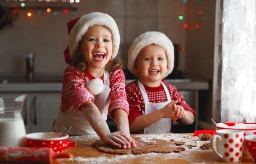 enfants préparatifs Noël